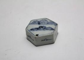 李朝染付六角山水水滴30nk-128